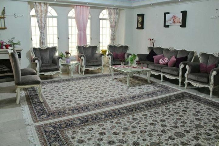 فرش کرم رنگ 2